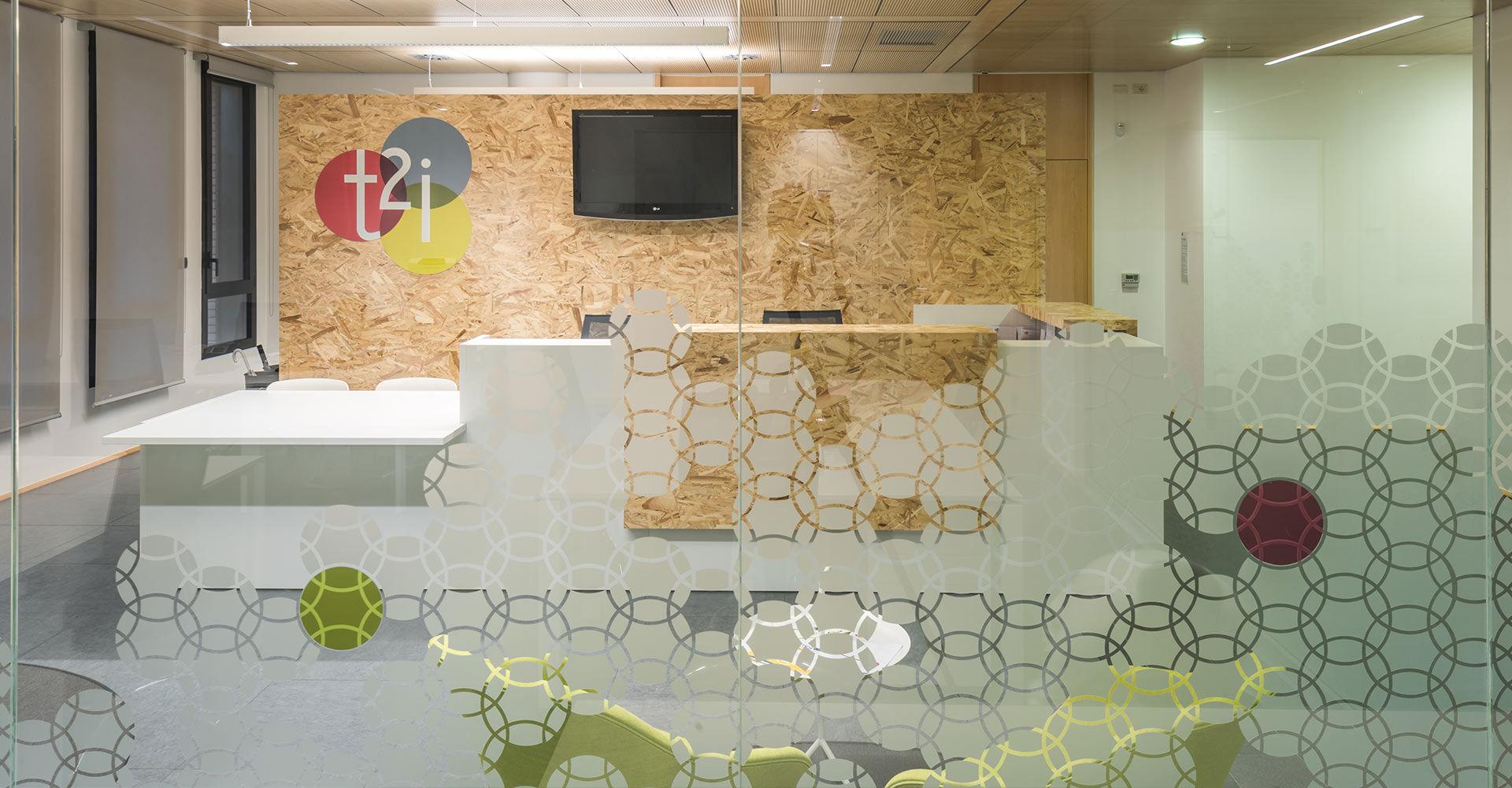 Lavoro Ufficio Clipart : Durante ufficio progettazione e fornitura arredamenti per uffici