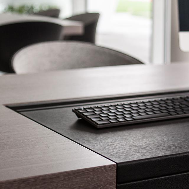 Tecnologia e arredamento in ufficio